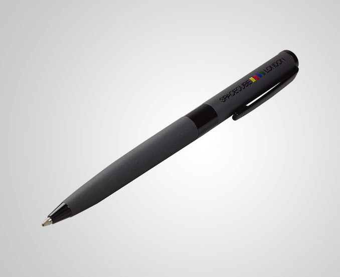 Pen Paris - Very stylish pen with shiny black accents